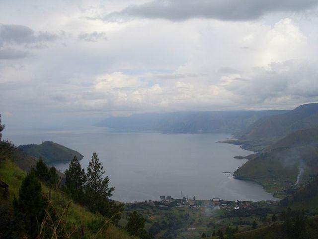 800px-Toba_Lake_View